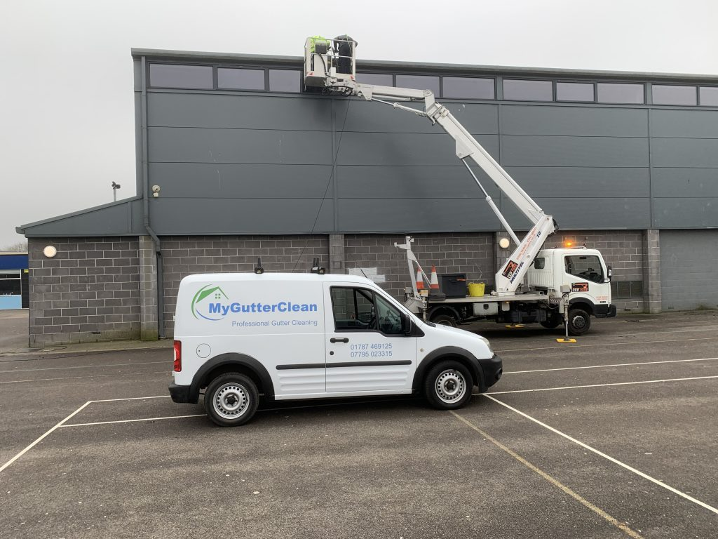 commercial gutter cleaning